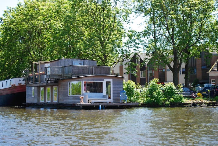 Charming house Boat,Alkmaar, unique location - Alkmaar - Barco