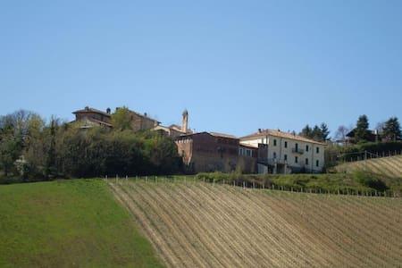Bilocale con terrazza e piscina - Monteveneroso - Lejlighed