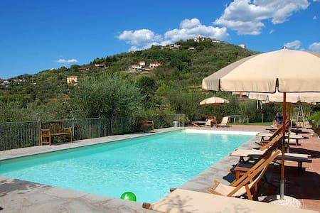 Lovely agriturismo with pool (Apartment Dalia)! - Castelnuovo magra - Lakás