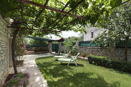 Beautiful Relax House in Istria - Casa Morgani - Kanfanar - Talo