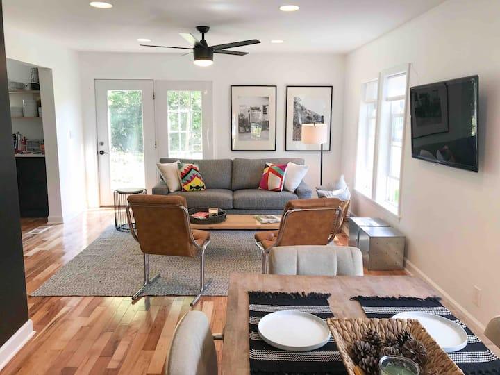 Bright Modern Designer Maple Street Beach House