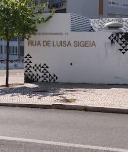 Nice flat few minutes Lisbon