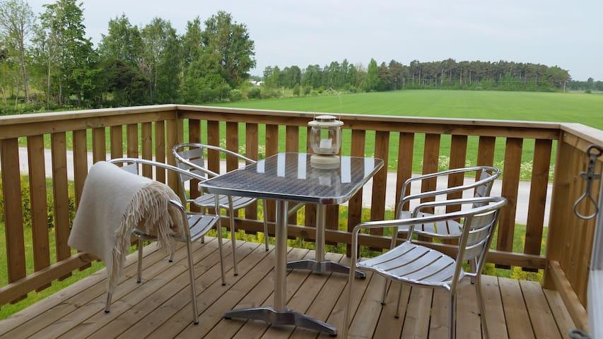 Modernt hus i Närs socken, nära golfbanan, lör/lör
