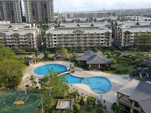 Feel at home Near BGC: Newly Renovated 2 BR Unit
