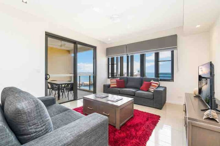 Waterfront Executive: stunning 1 bedroom apartment