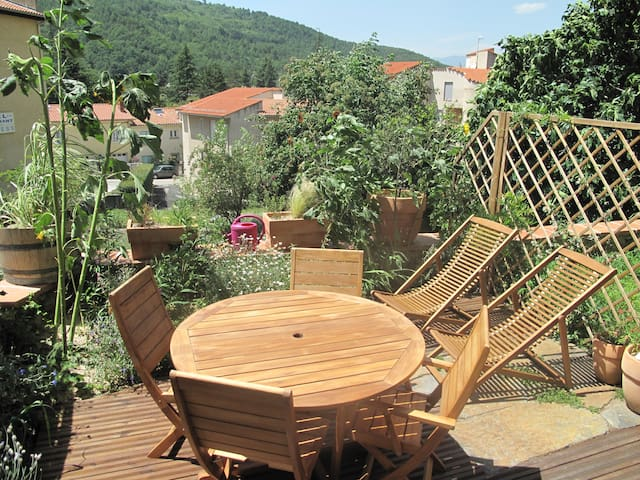 Appartement T2 Jardin/terrasse - Vernet-les-Bains - อพาร์ทเมนท์