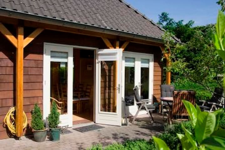 B&B in seperaat gastenverblijf - Aerdt - Bed & Breakfast