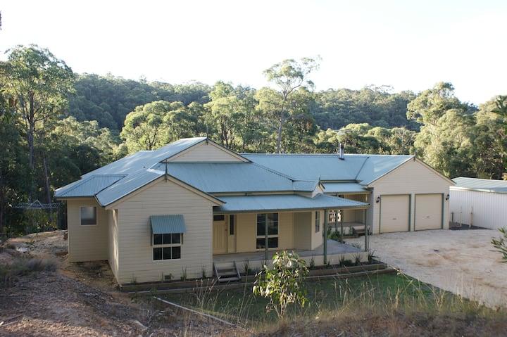 Wombat Lodge: peaceful bush getaway