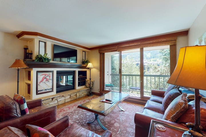 Ski-in/ski-out condo w/ mountain views, fireplace, and shared hot tub & pool!