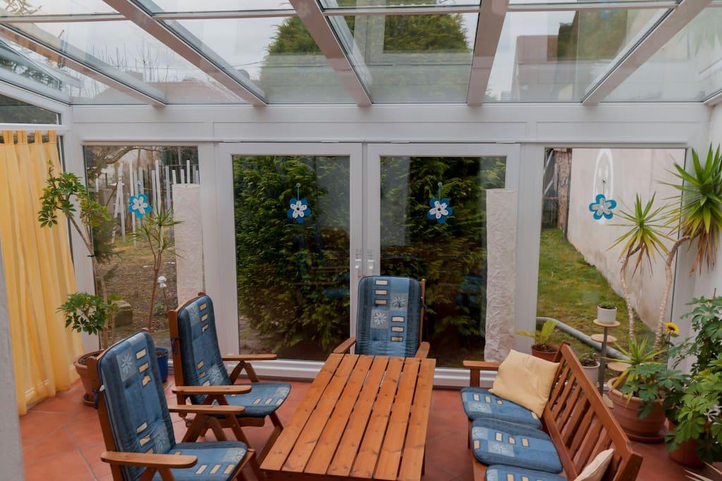 wohnung mit wintergarten maikammer h user zur miete in. Black Bedroom Furniture Sets. Home Design Ideas