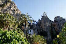 Castell de Guadalest, a 1 km
