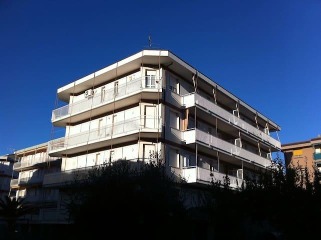 Grazioso appartamento in riviera - Pietra Ligure - Leilighet