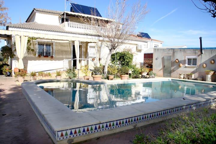 Casa de Campo piscina jardines zona muy tranquila