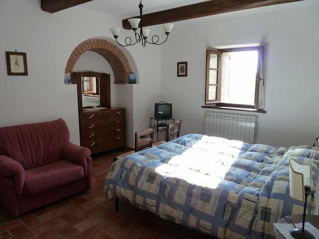 Un vecchio e romantico podere - Margherita - Cetona - Haus