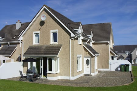 Kilkee Holiday Home 3 bed, sleeps 5 - Килки - Дом