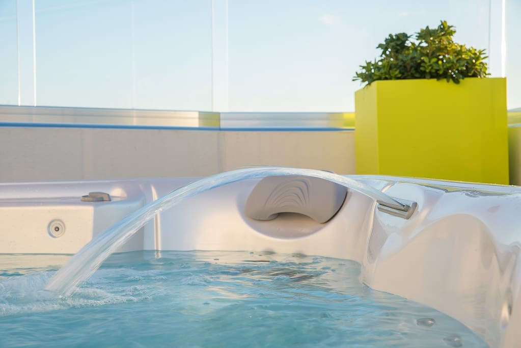 Jacuzzi water feature