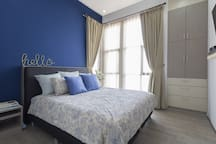 Master bed room, king size (180x200cm), with AC