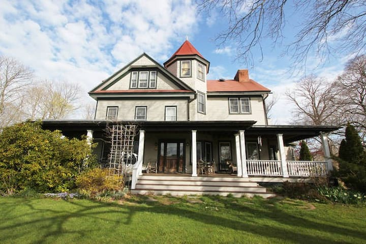 Grand historic victorian case in affitto a mattituck for Case in affitto new york