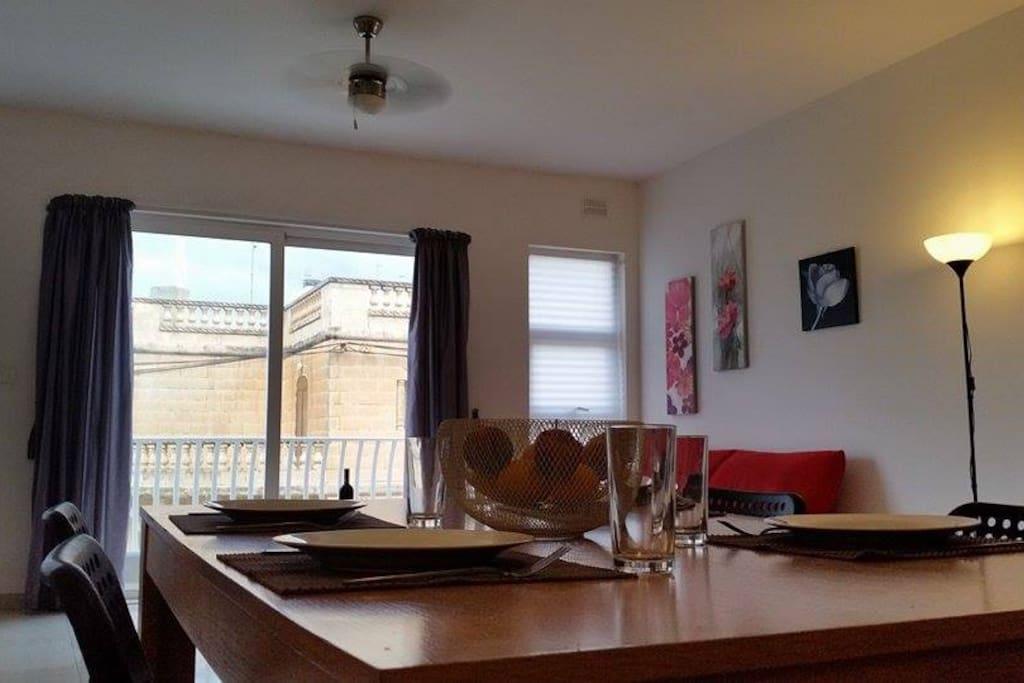 flat 8 living room/kitchen.