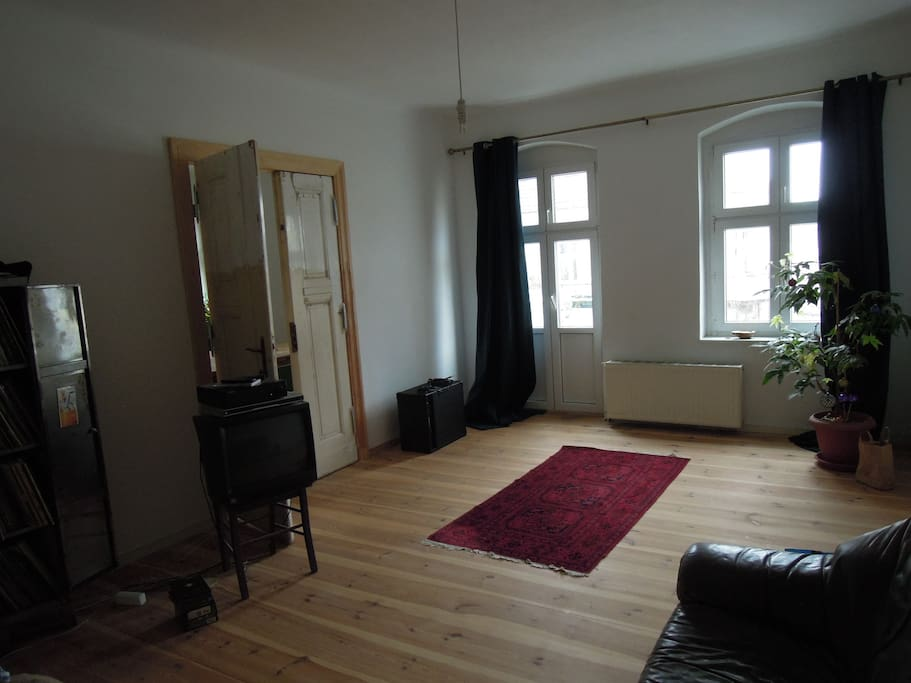 gro e helle wohnung apartments for rent in berlin berlin germany. Black Bedroom Furniture Sets. Home Design Ideas