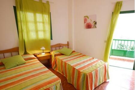 Schöne Wohnung in La Calera mit Balkon - La Calera - Pis