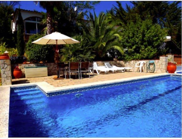 Casa en Pals con piscina privada. - Els Masos de Pals - Hus