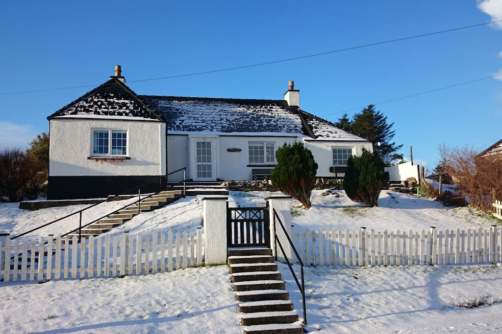 Clear blue sky, white fluffy snow, crisp New Year...winter at Ardenmore