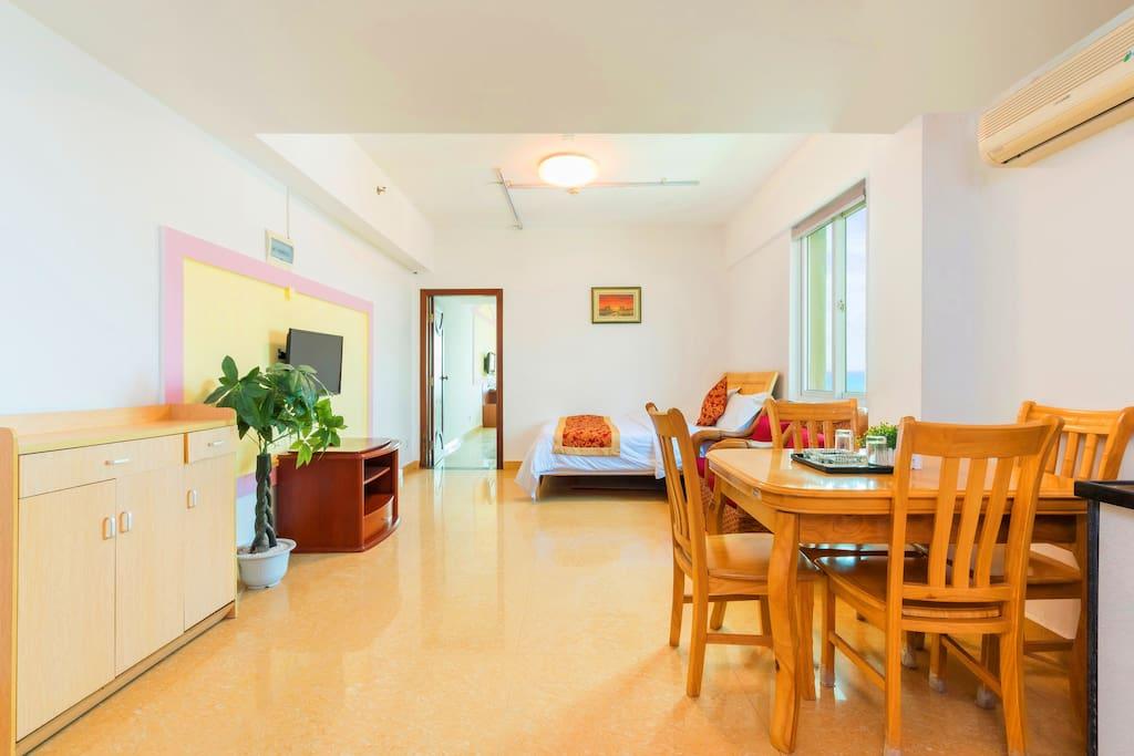 客厅+开放式厨房+小床