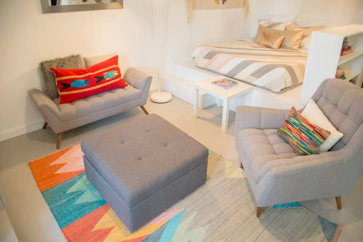 THE STUDIO - Boutique Silverlake Rental