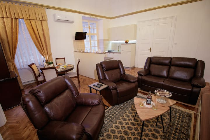 Little Vienna Gold Apartment ****
