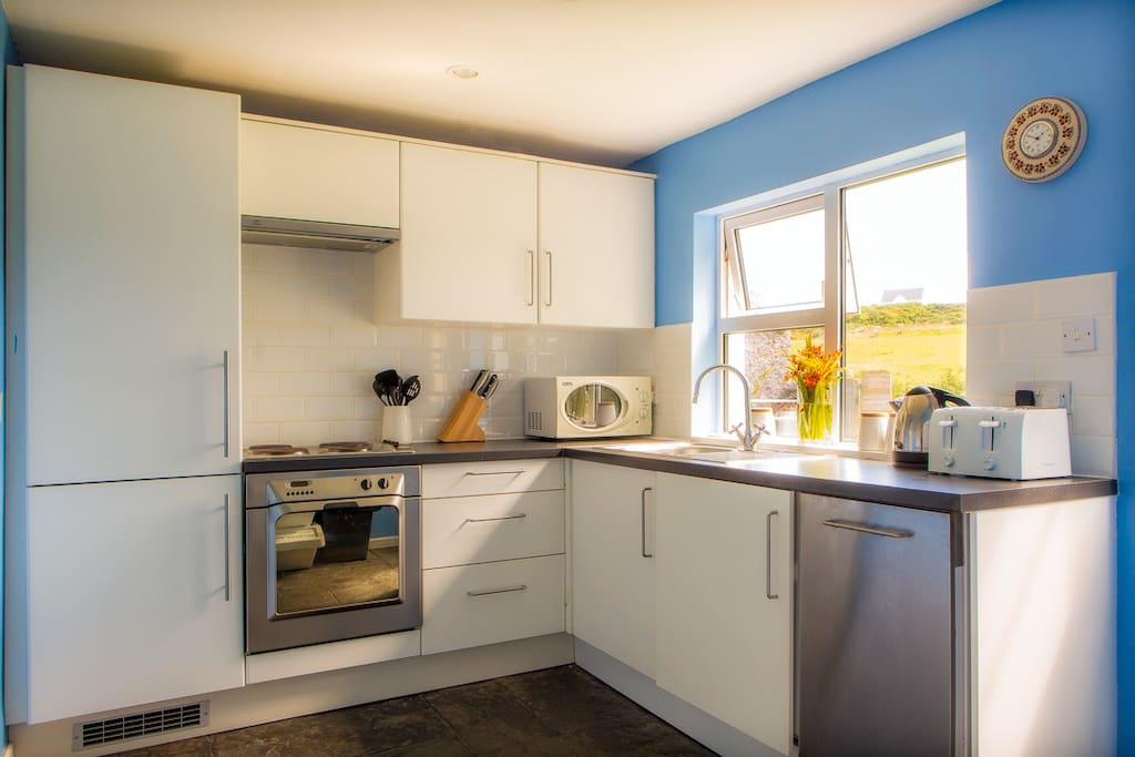 It has a modern fully-equipped kitchen, with an electric hob and cooker, kettle, toaster, cafetière, washer / dryer, dishwasher and fridge-freezer