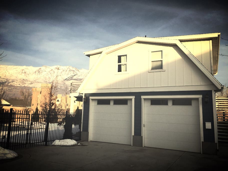 Exclusive private apartment guest houses louer for Detached garage utah