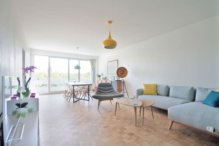 Quiet & bright apartment near centre of Antwerp