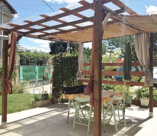 Loc T 50m2 avec jardin et terrasse à Tarascon - Tarascon - Casa