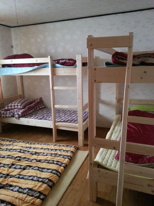 이층원목침대가 있는 침실(4개)