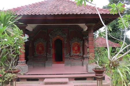 Whiz House - Praya/Kopang - Casa