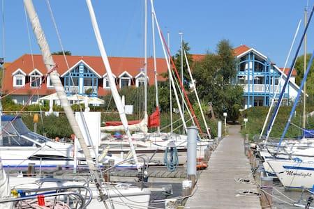 Strandnest am Yachthafen - Rerik