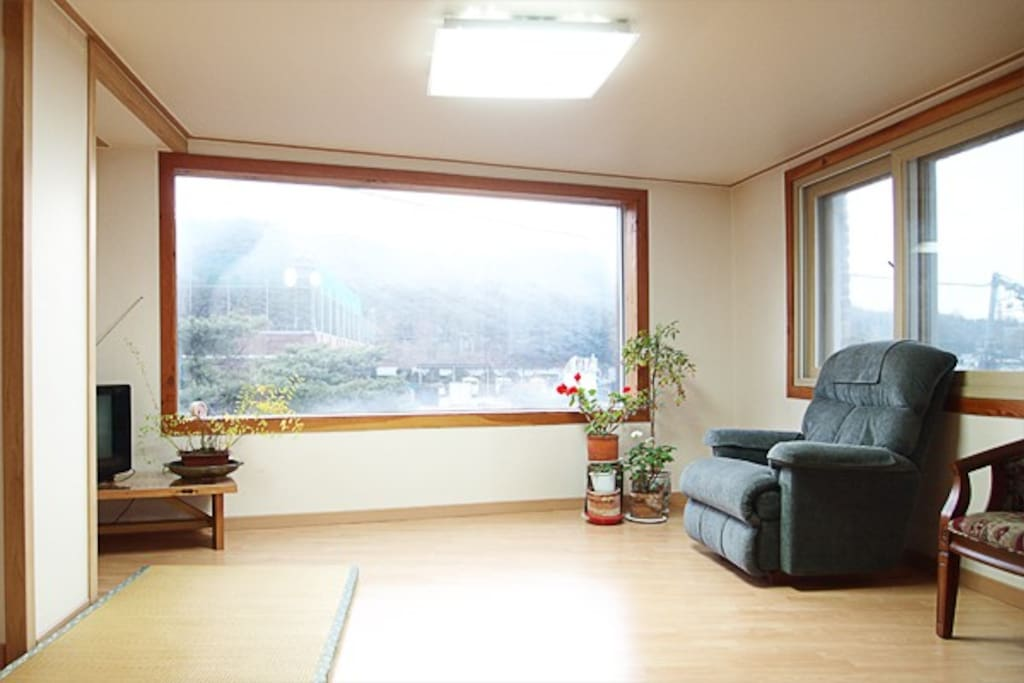 2BR Home $90 center of Metro Seoul