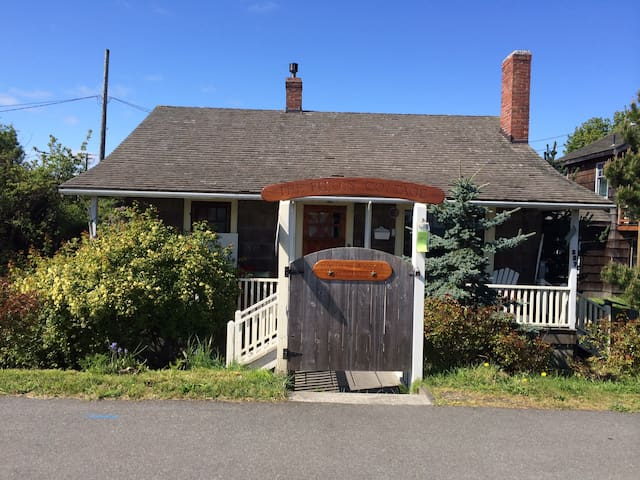 Boatbuilders Cottage - private hideaway waterfront - Port Townsend - Bungalow