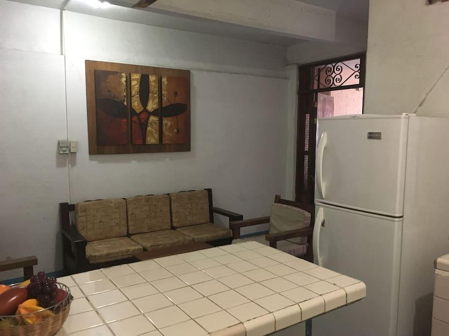 Sala con cocineta