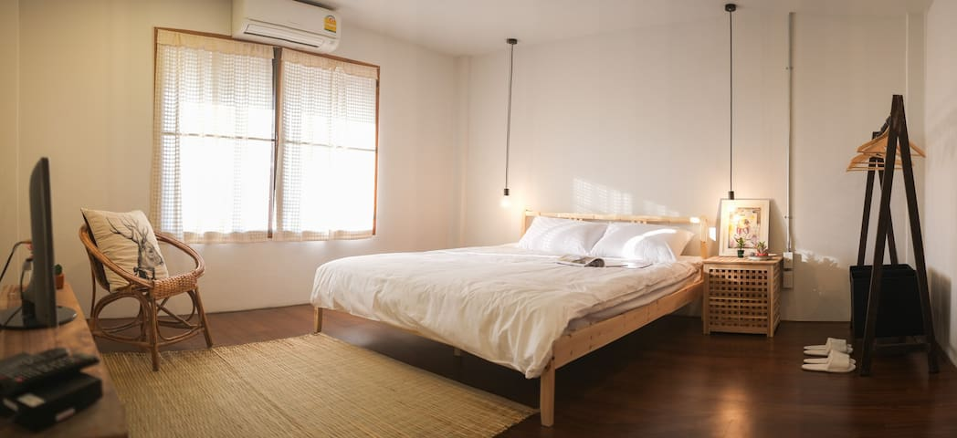 Private room at Happynest Hostel - Mueang Chiang Rai - Inap sarapan