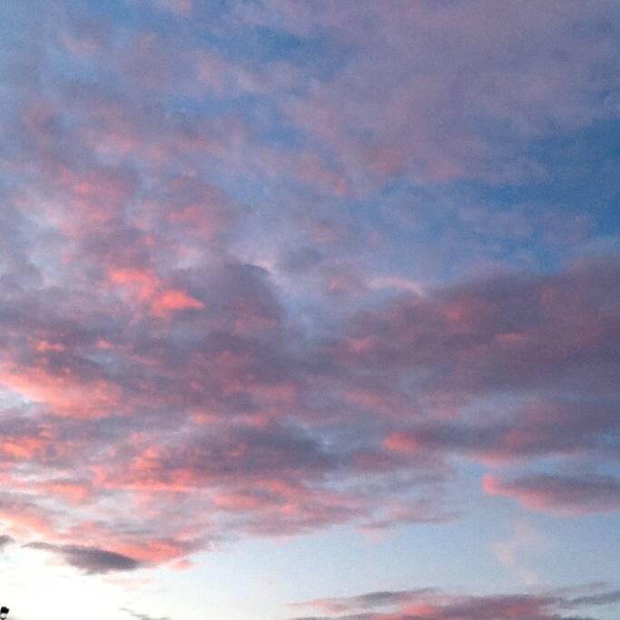 天气好时,雨后有彩虹,夕阳看火烧云