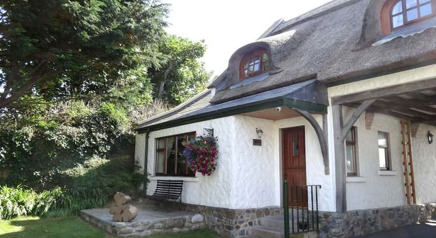 Apple Loft Cottage - Bettystown, Seabank - Cabana