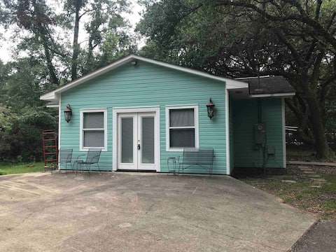 Woodland Oaks Cottage (no min. stay+$20. cleaning)