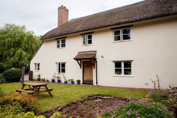 """Wonderful Hidden Gem""   Farmhouse Cottage, Devon - Devon - Vacation home"