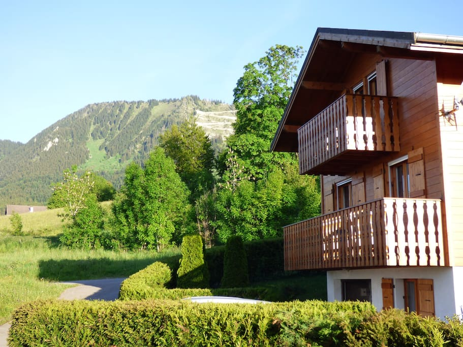 Chalet and view on the Mémises