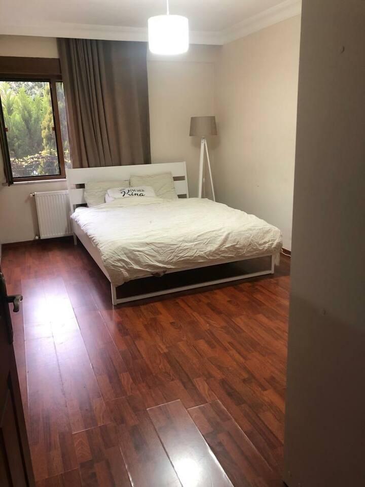Spotless-Clean Big Room in Mecidiyekoy (2-months)