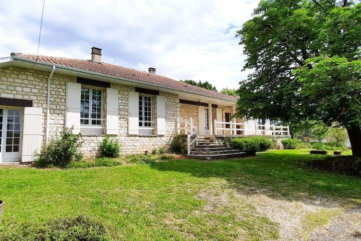 Maison de campagne Monpazier en Périgord