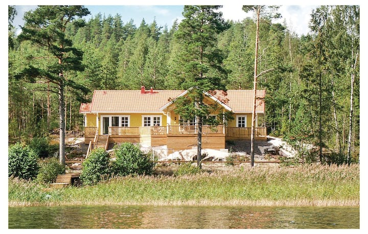 Beautiful home in Segmon with Sauna and 4 Bedrooms