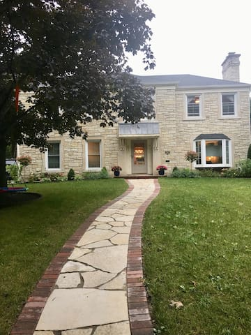 Beautiful home in Wauwatosa with new addition